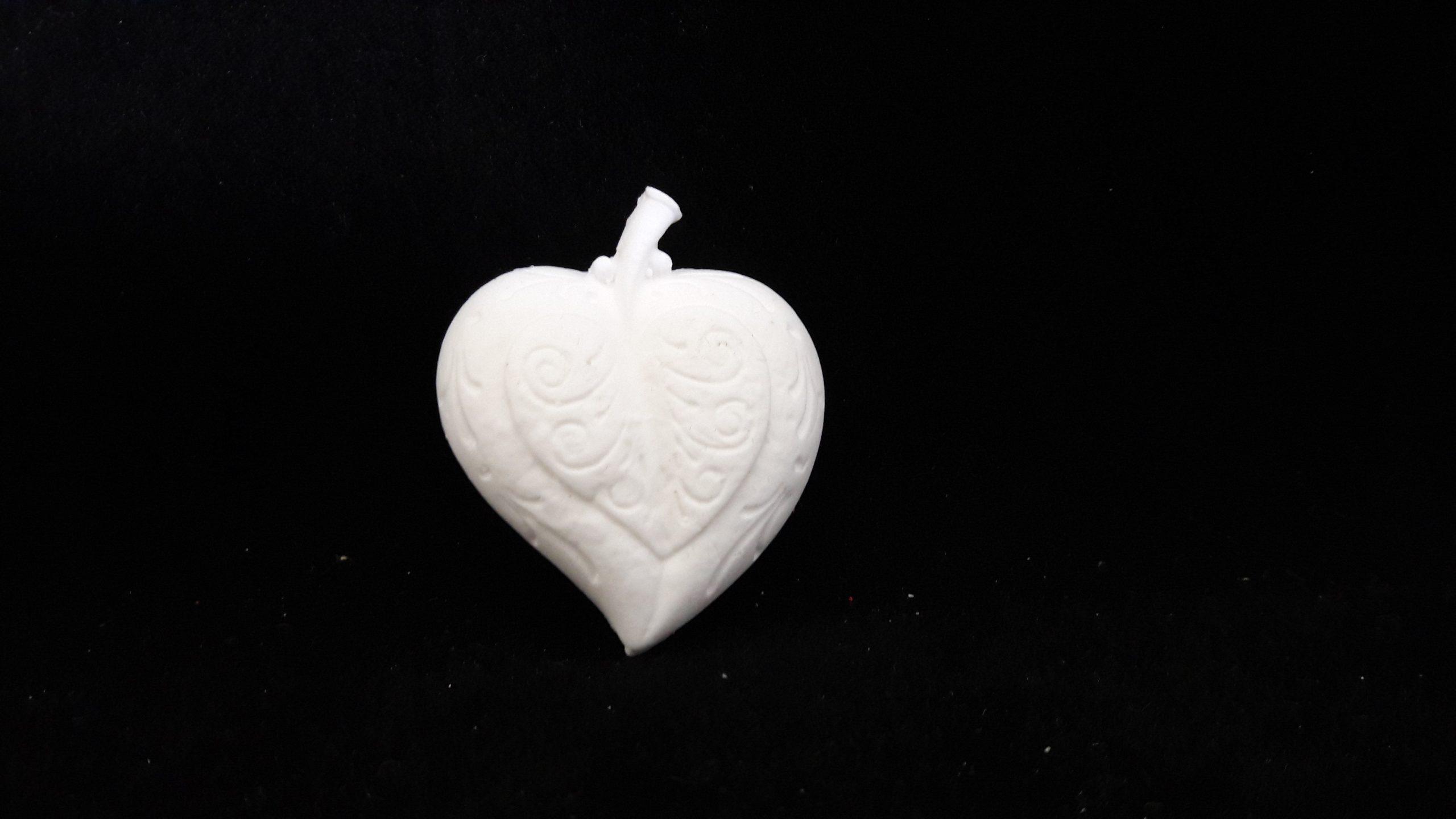 Adorno  Corazón-Manzana 4,5x4 cms - 1